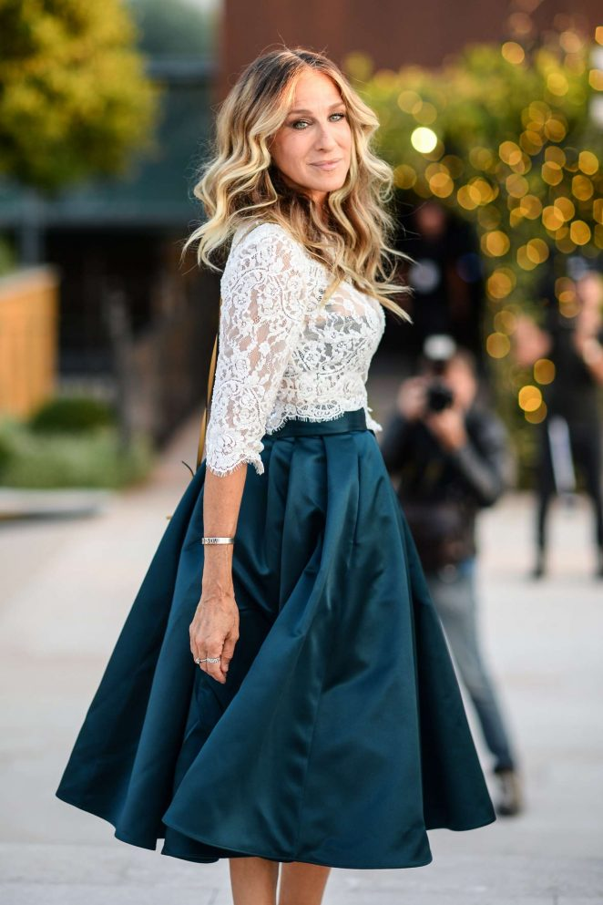 Sarah Jessica Parker - Arrives at Intimissimi Fashion Show in Verona