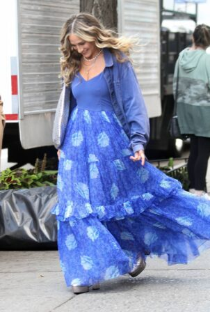 Sarah Jessica Parker - Filming 'And Just Like That' in Chelsea Market in New York