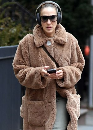 Sarah Jessica Parker in Fur Coat - Out and about in New York City