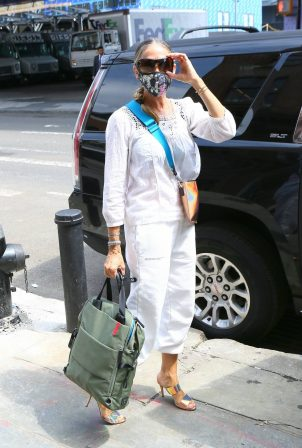 Sarah Jessica Parker - Leaving her shoe store in the Seaport District in New York