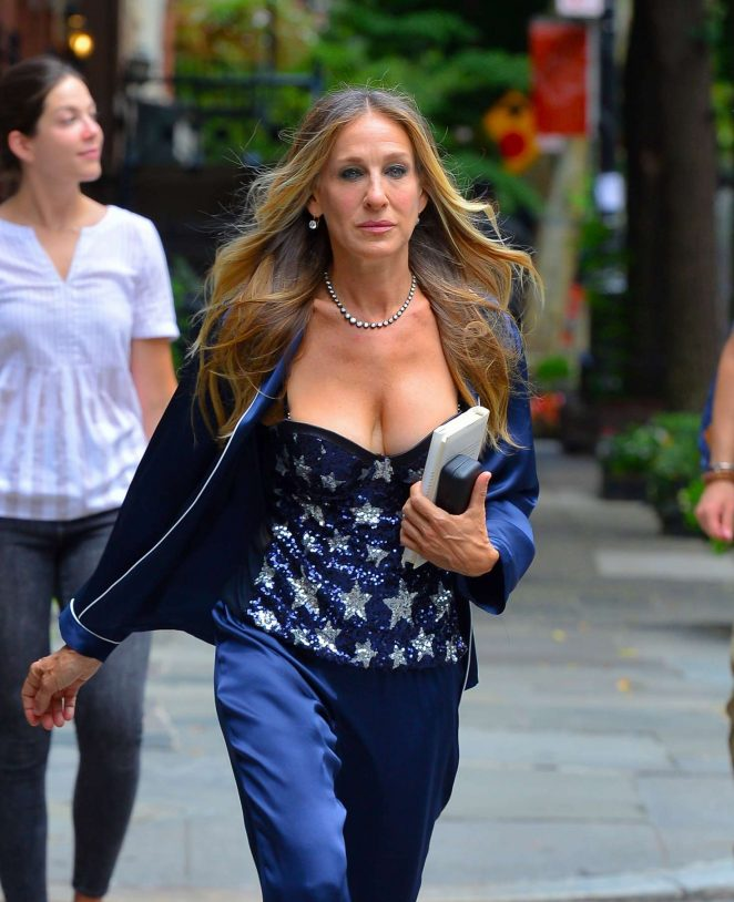 Sarah Jessica Parker - Out in New York