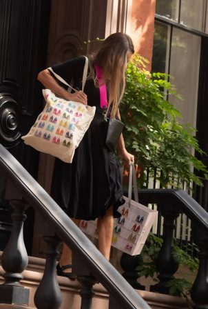 Sarah Jessica Parker - Out to promote her line in Greenwich Village