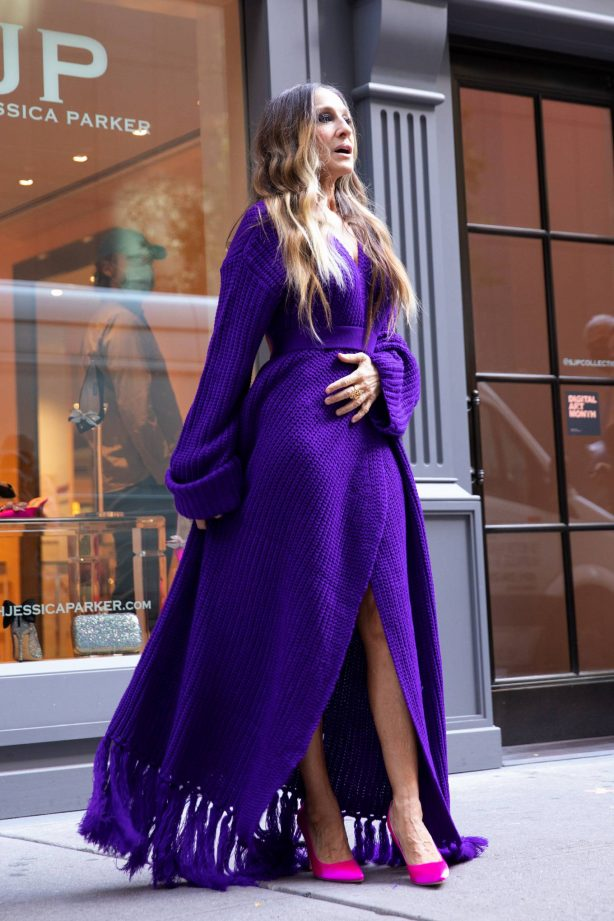 Sarah Jessica Parker - Photoshoot candids at a her SJP Shoe Store in New York