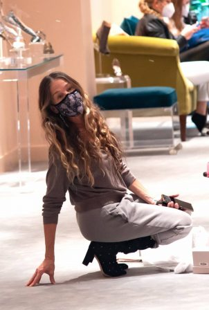 Sarah Jessica Parker - Pictured at her her shoe store in NYC