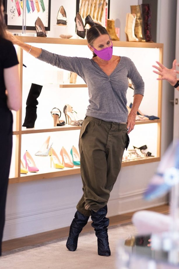Sarah Jessica Parker - Pictured at her SJP Collection Shoe Store in New York