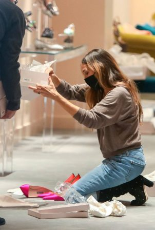 Sarah Jessica Parker - Seen in 'SJP by Sarah Jessica Parker' store in New York