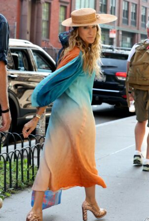 Sarah Jessica Parker - Wearing a stunning dress at the 'And Just Like That' set in Soho