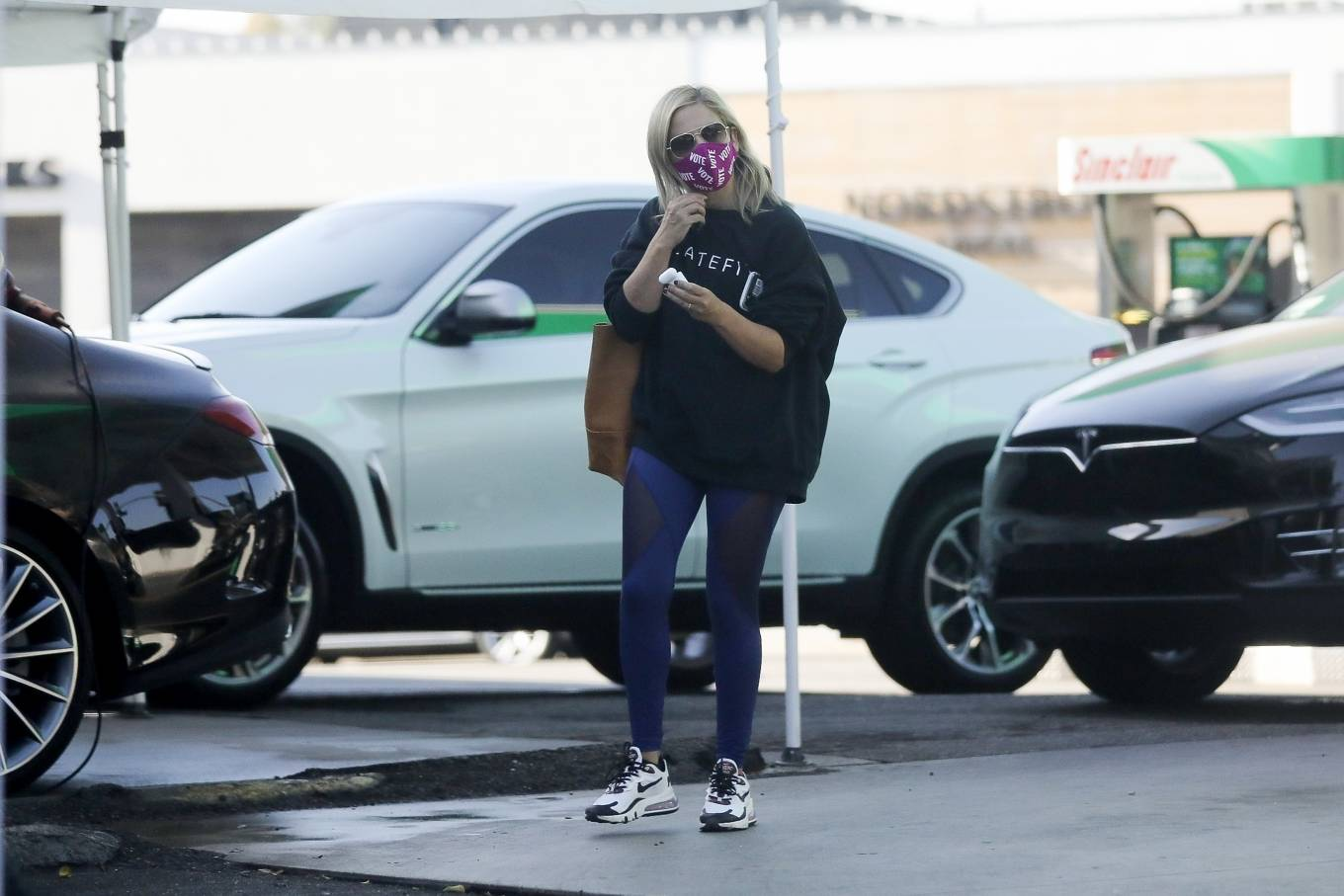 Sarah Michelle Gellar 2020 : Sarah Michelle Gellar – heading to a workout session at Plate Fit-01