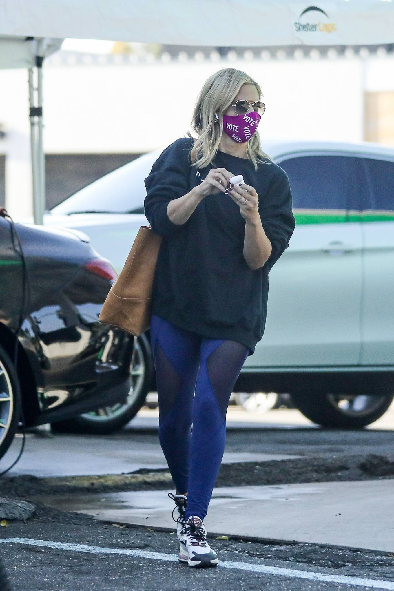 Sarah Michelle Gellar 2020 : Sarah Michelle Gellar – heading to a workout session at Plate Fit-03