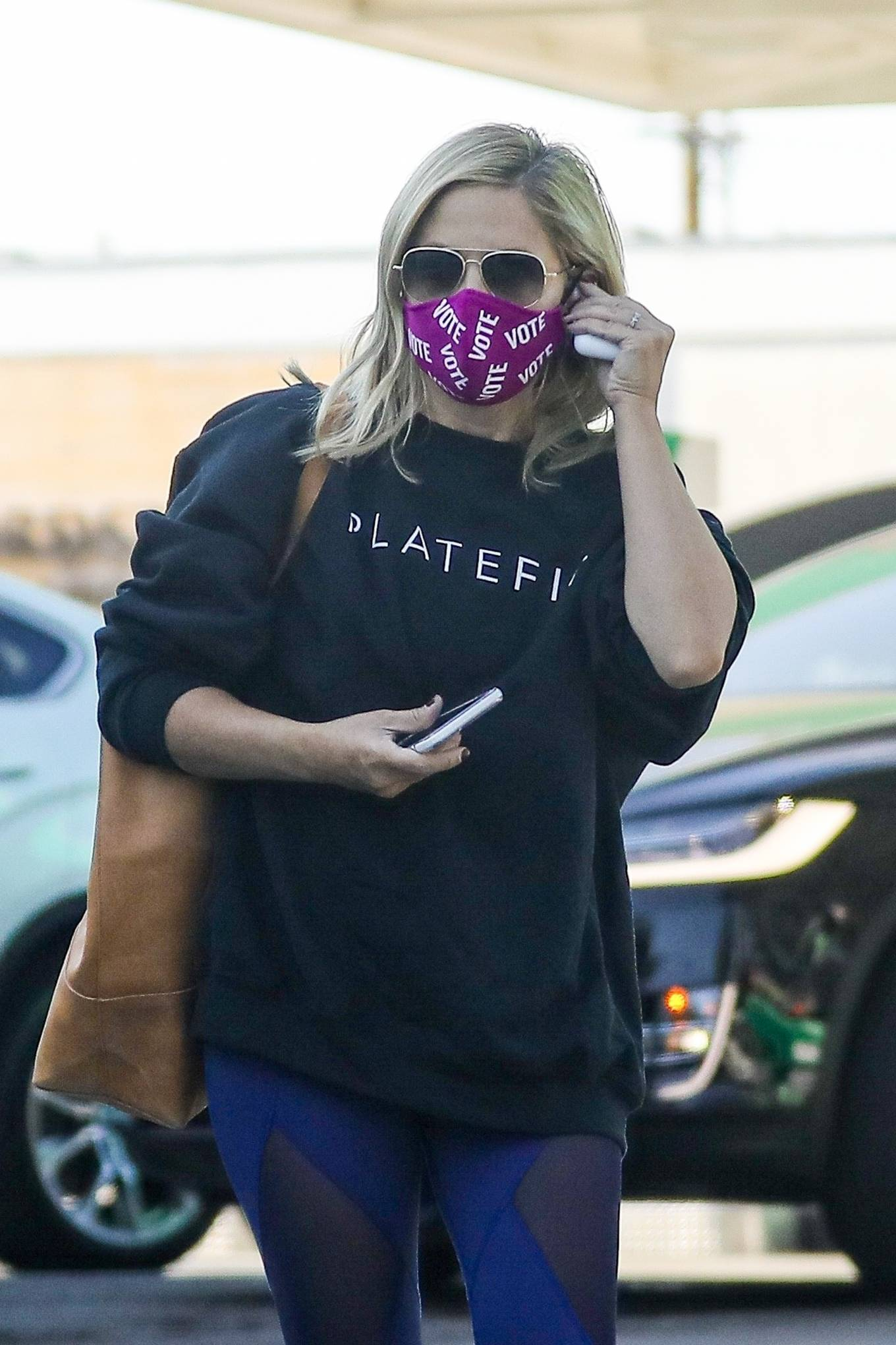 Sarah Michelle Gellar 2020 : Sarah Michelle Gellar – heading to a workout session at Plate Fit-05