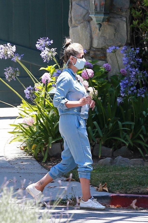 Sarah Michelle Gellar in a denim jumper in Brentwood
