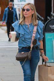 Sarah Michelle Gellar in Jeans - Out in Santa Monica