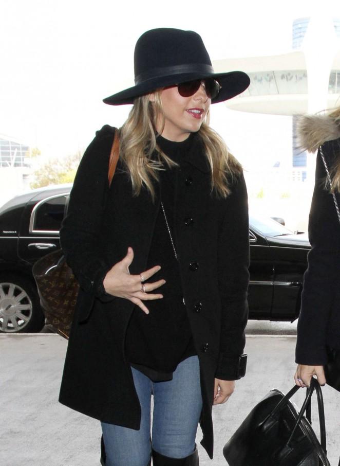 Sarah Michelle Gellar – LAX airport in Los Angeles