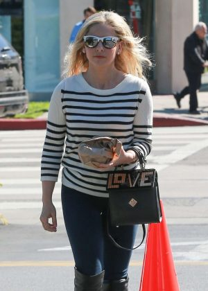 Sarah Michelle Gellar - Leaves a Hair Salon in West Hollywood