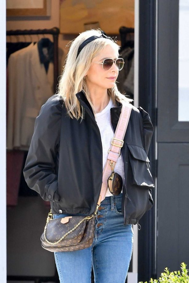 Sarah Michelle Gellar - Out for shopping in Pacific Palisades