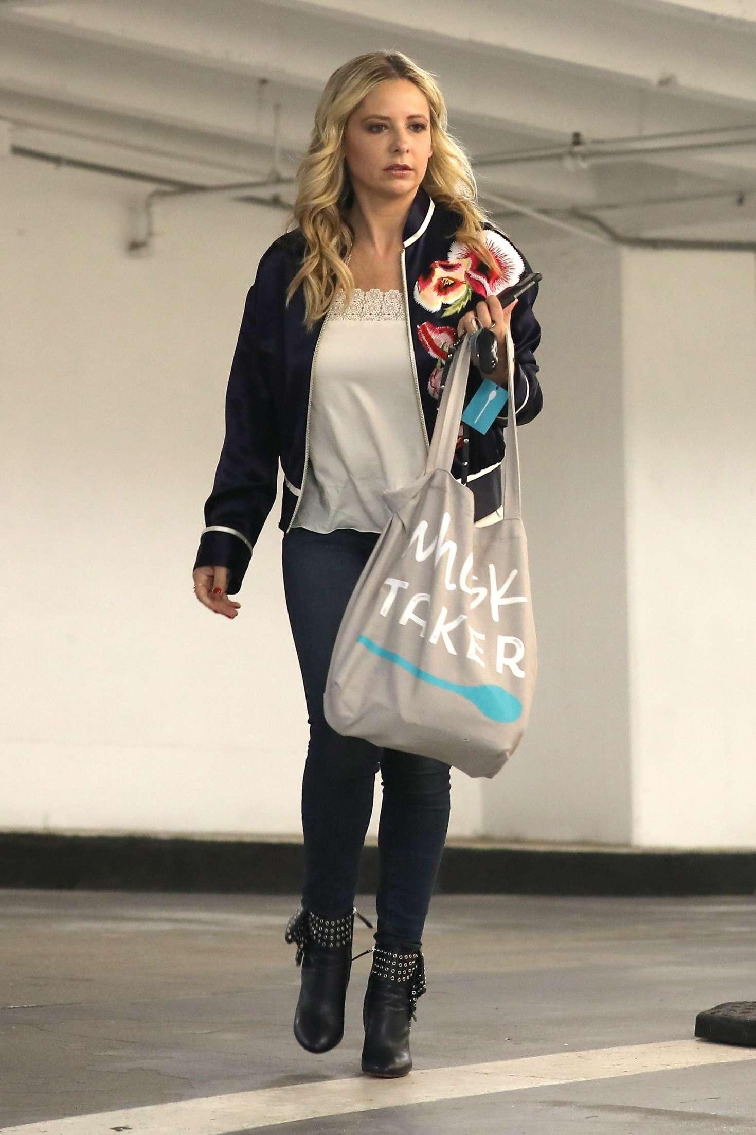 Sarah Michelle Gellar 2018 : Sarah Michelle Gellar: Out in Beverly Hills -10
