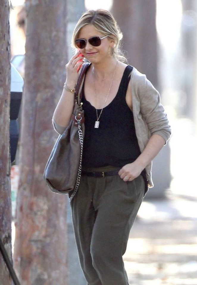 Sarah Michelle Gellar – out in Brentwood