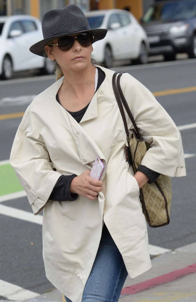 Sarah Michelle Gellar out in Santa Monica