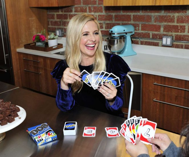 Sarah Michelle Gellar - Playing a Card Game In her Office in LA