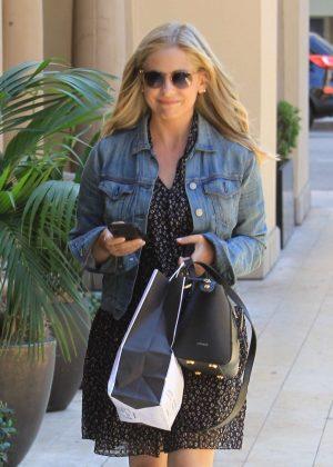 Sarah Michelle Gellar - Shopping in Beverly Hills