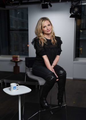 Sarah Michelle Gellar - Visits the LinkedIn studios in New York City