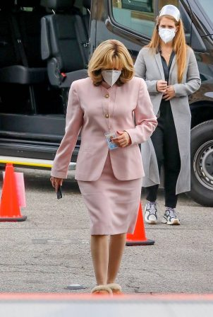 Sarah Paulson - filming American Crime Story in Los Angeles