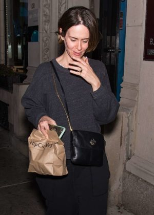 Sarah Paulson - Out in Philadelphia