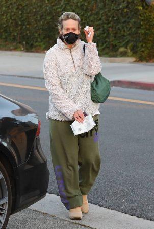 Sarah Paulson - Seen leaving the Balayage by Nancy Braun hair salon in Beverly Hills