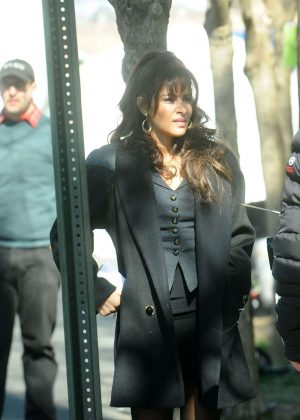 Sarah Shahi - Filming 'City on a Hill' in NYC