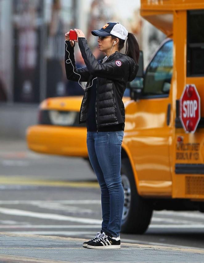 Sarah Silverman in Jeans -02