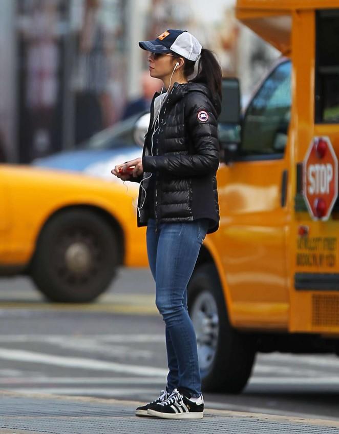 Sarah Silverman in Jeans -03