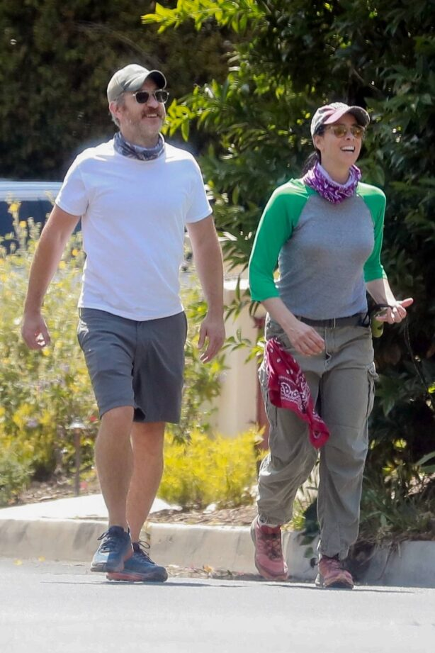 Sarah Silverman - Out for a walk in Los Feliz