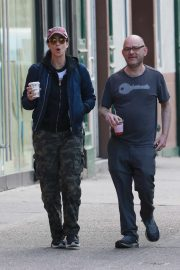 Sarah Silverman - Out for coffee with a friend in New York