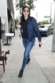 Sarah Silverman - Outside Craig's Restaurant in West Hollywood