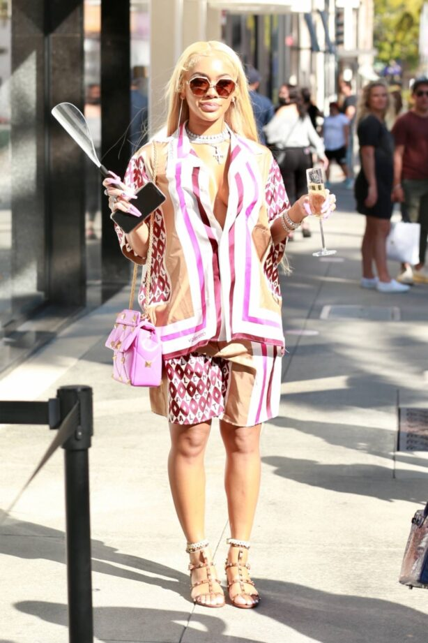 Saweetie - Seen shopping at Valentino boutique in Beverly Hills