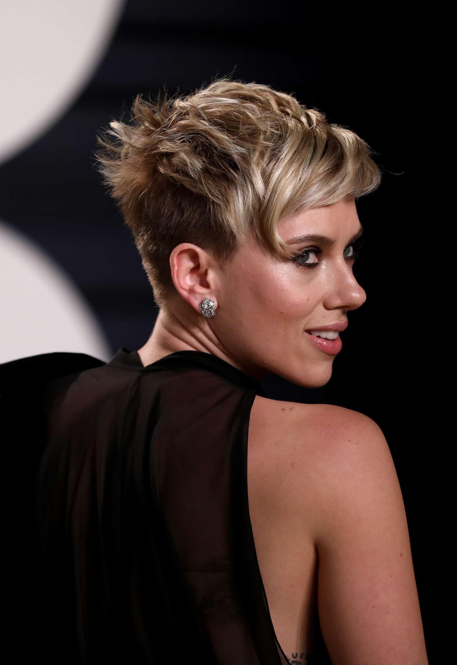Scarlett Johansson 2017 Vanity Fair Oscar Party 16 Gotceleb