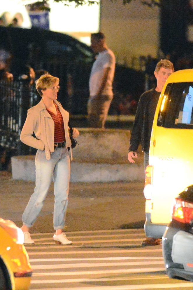 Scarlett Johansson and Bobby Flay out for a dinner -08