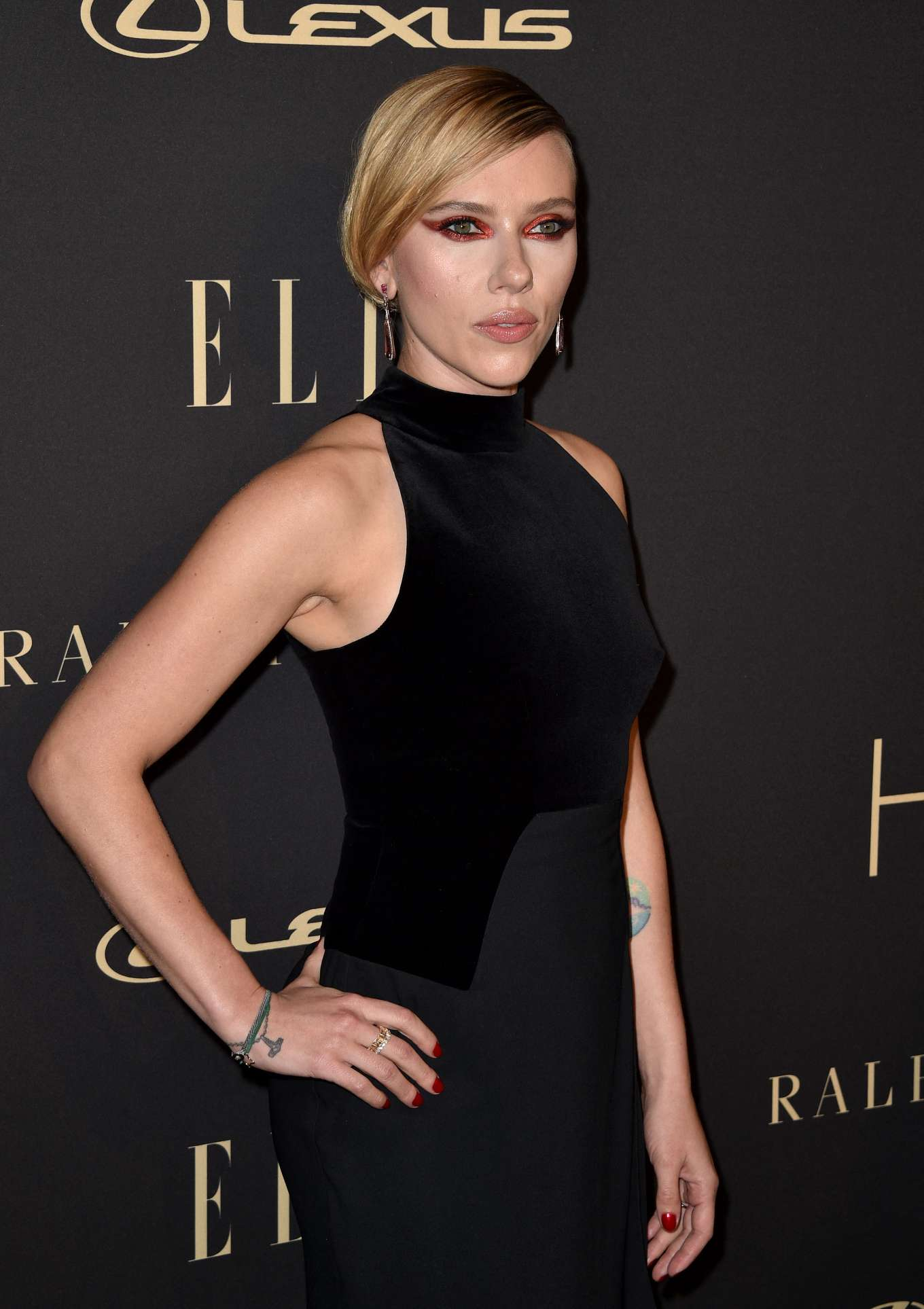 Scarlett Johansson 2019 : Scarlett Johansson – ELLEs 26th Annual Women in Hollywood Celebration-10