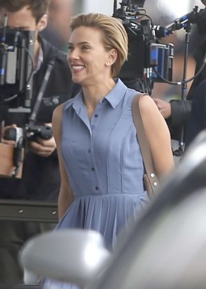 Scarlett Johansson Filming a Scene for 'Rock That Body' at Airport in NYC