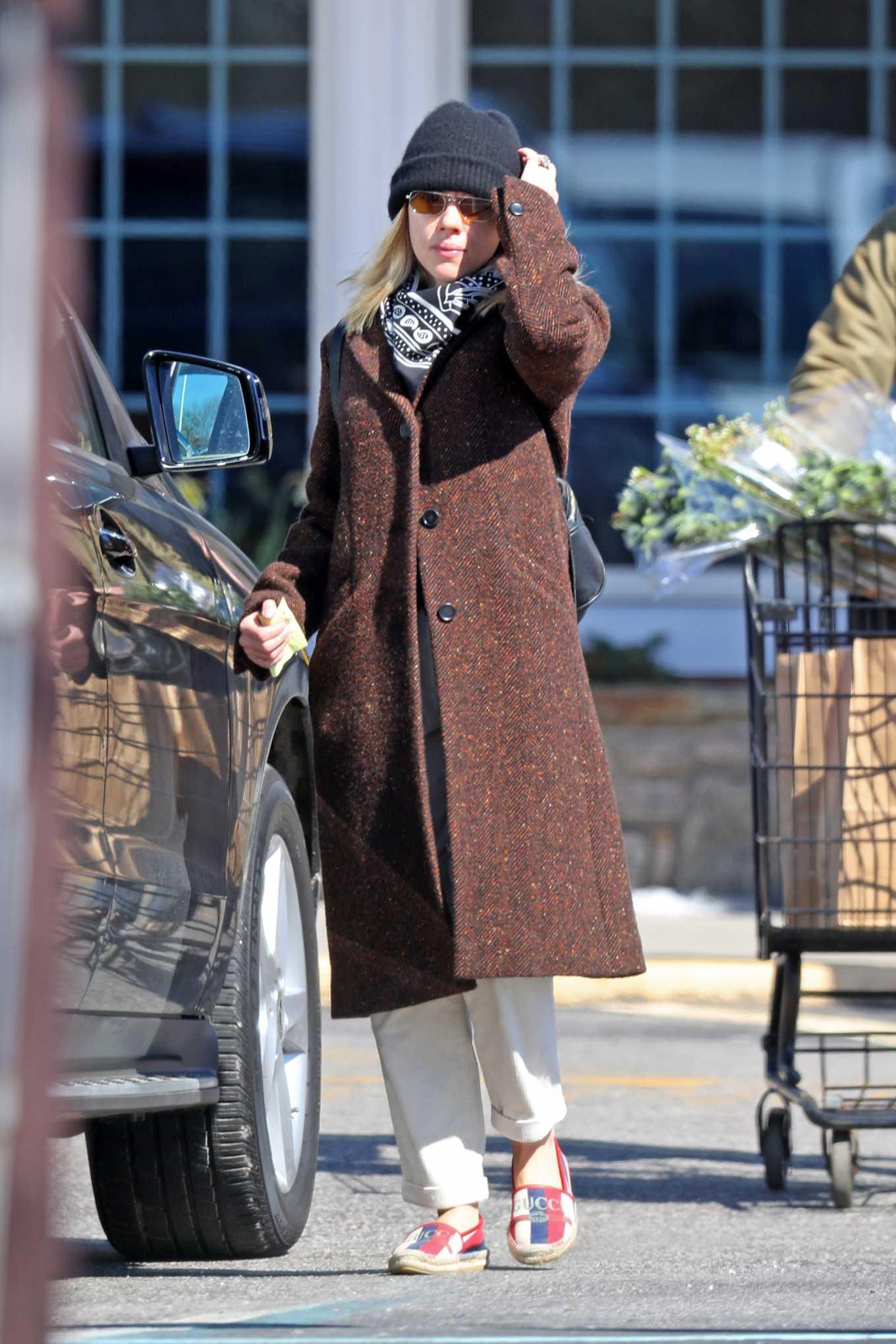 Scarlett Johansson 2020 : Scarlett Johansson – Grocery shopping in the Hamptons-03