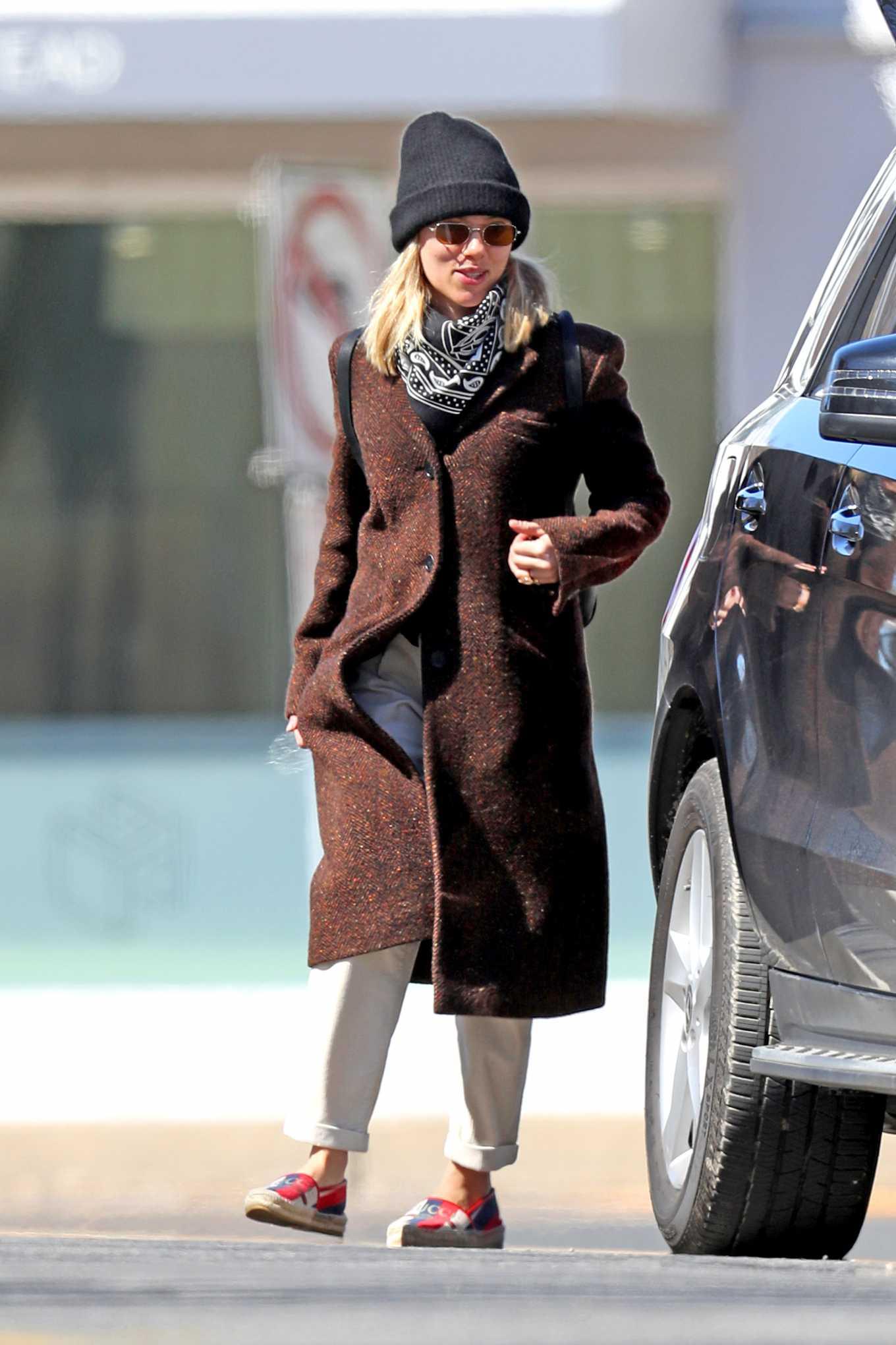 Scarlett Johansson 2020 : Scarlett Johansson – Grocery shopping in the Hamptons-05