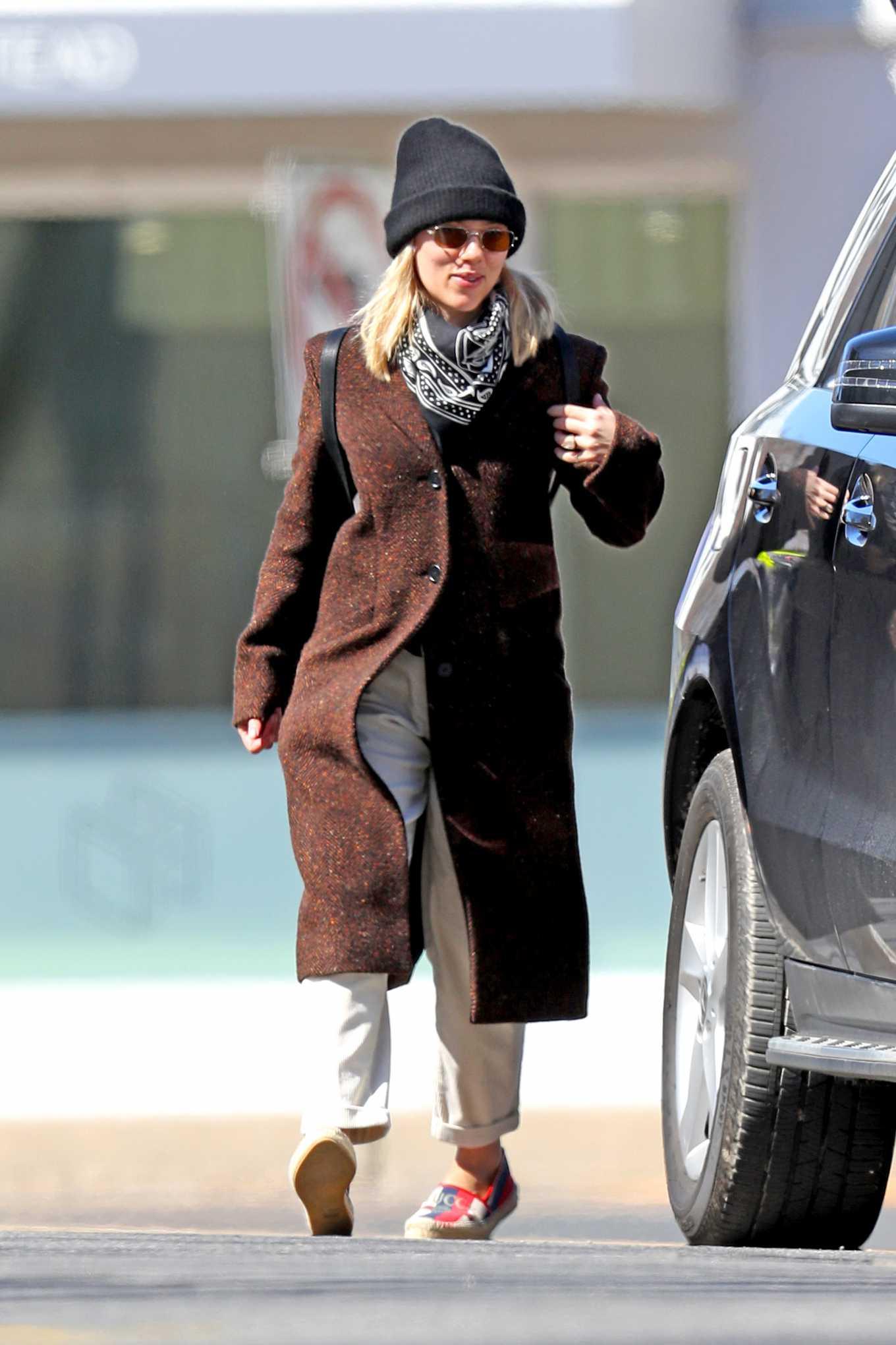 Scarlett Johansson 2020 : Scarlett Johansson – Grocery shopping in the Hamptons-08