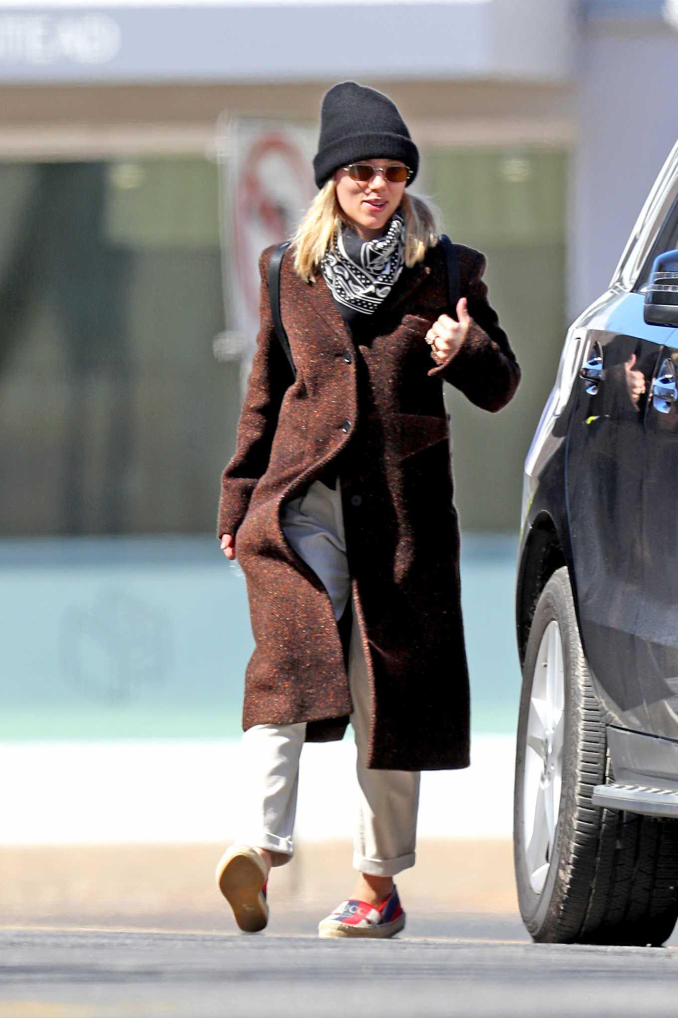 Scarlett Johansson 2020 : Scarlett Johansson – Grocery shopping in the Hamptons-14