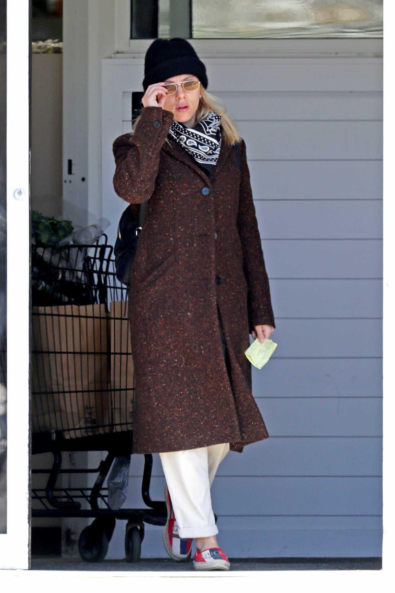 Scarlett Johansson 2020 : Scarlett Johansson – Grocery shopping in the Hamptons-24