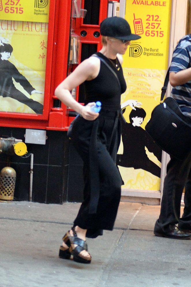 Scarlett Johansson in Black out in New York City -01 - GotCeleb
