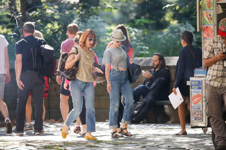 Scarlett Johansson 2015 : Scarlett Johansson in Jeans -09