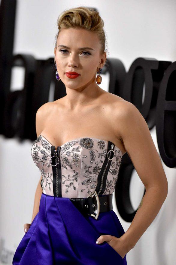 Scarlett Johansson - 'Marriage Story' Premiere in Los Angeles