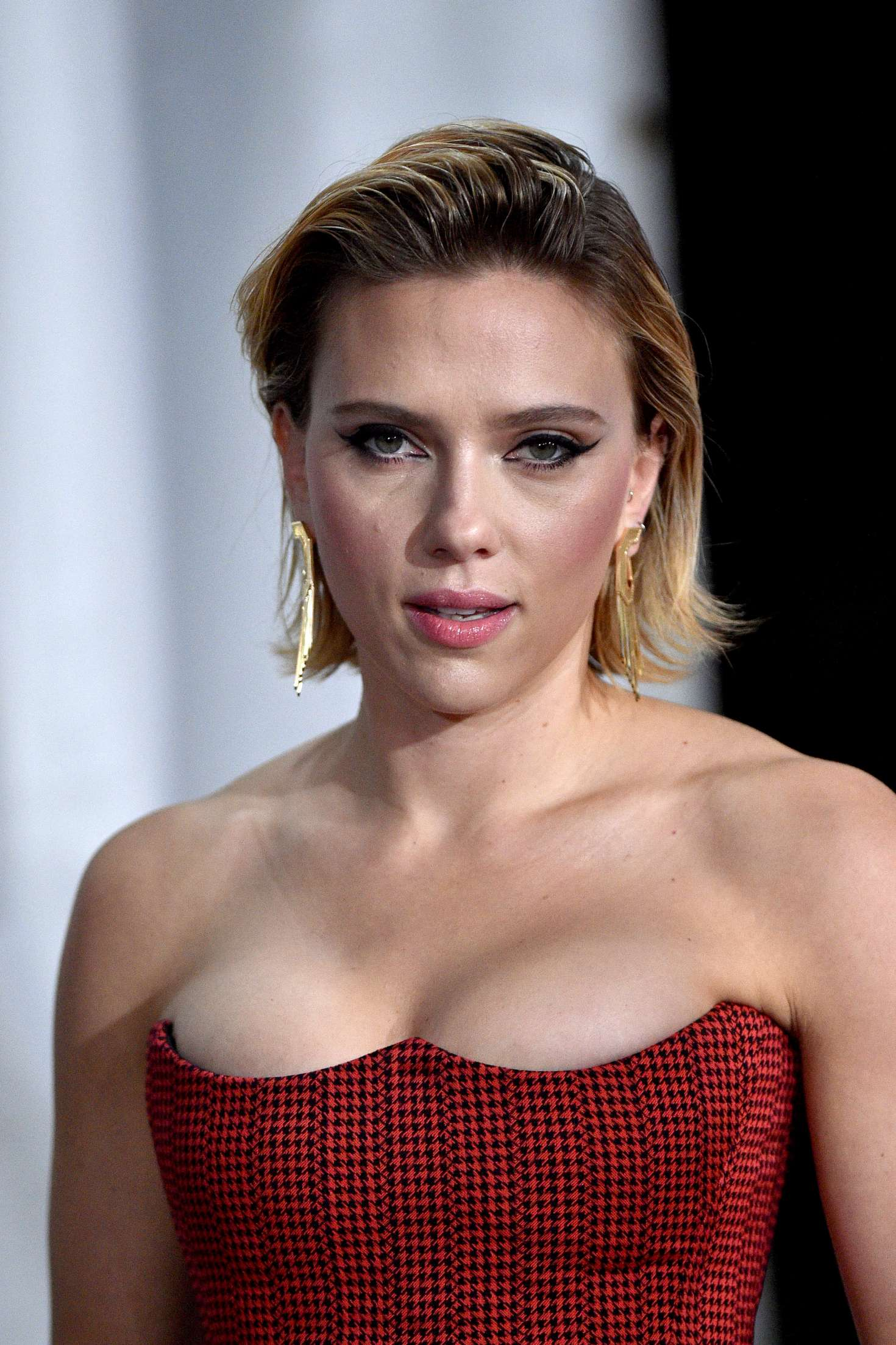 Scarlett Johansson: Peoples Choice Awards 2018 -04 | GotCeleb