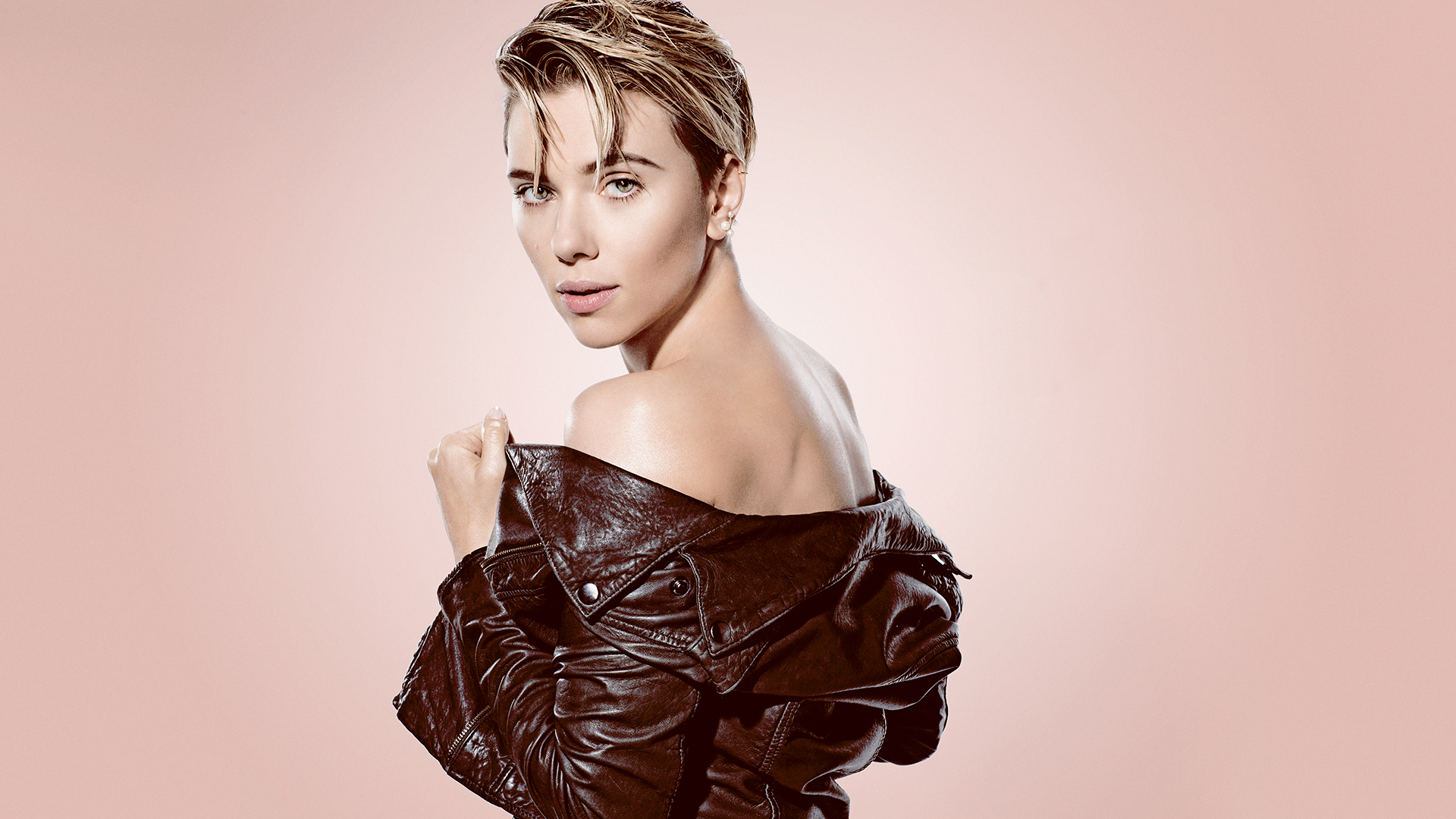Scarlett Johansson: SN...