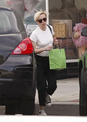 Scarlett Johansson - Shopping in Santa Monica
